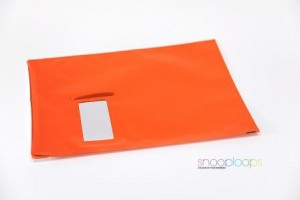 orange opak C4 Snooploop Folienumschlag mit Fenster