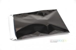 schwarz opak C4 Snooploop Folienumschlag