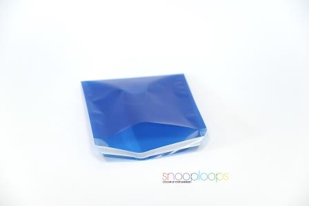 blau transluzent 220 Snooploop Folienumschlag